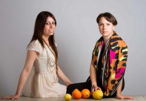 portakal lifinden iplik üreten kızlar