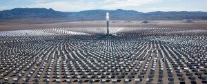 nevada çölüne yapılan güneş enerjisi panelleri